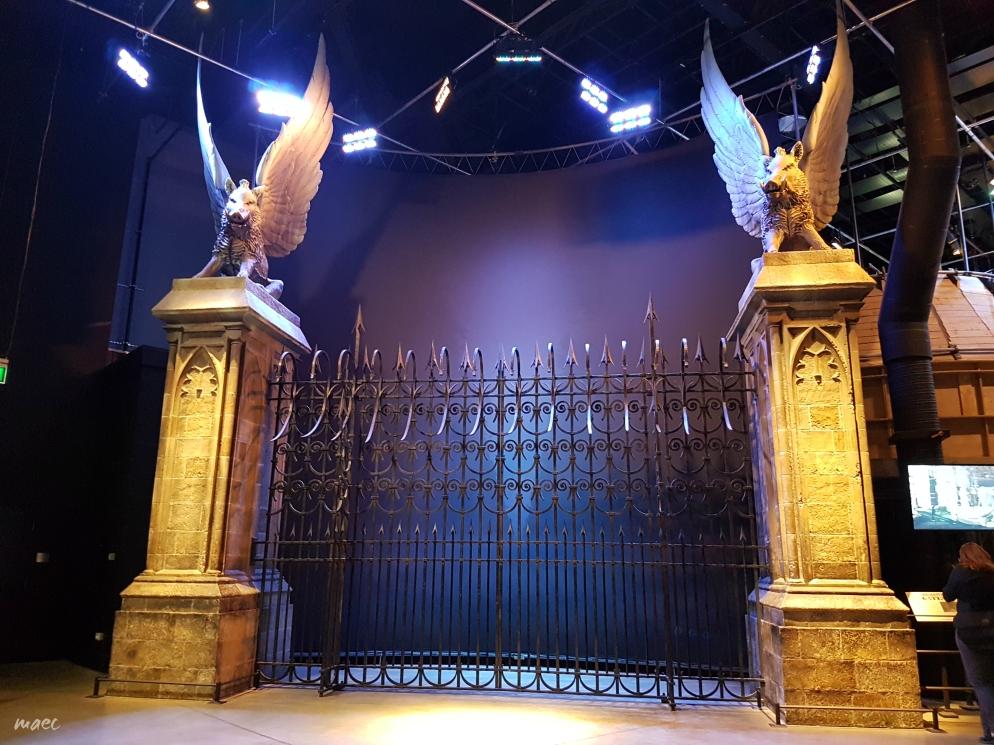 2-gates